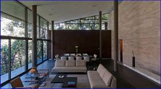 Puertas corredizas con antepecho // Sliding doors  Arquitectura por: Grupo Arquitectura