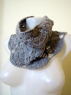 Crocheting : Crochet Cowl with Fan Pattern 2.59 euro