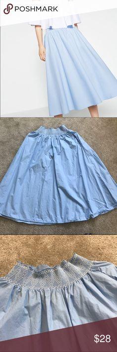< Zara > Midi sky blue pop line skirt High waist, sky blue, perfectly match with sandals in Summer! Zara Skirts