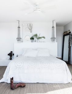 Boho Chic Interior Design - Bohemian Bedroom Design - Josh and Derek Boho Chic Interior, Bohemian Bedroom Design, Interior Design, 1930s House Interior, Grey Interior Doors, Coastal Bedrooms, Coastal Homes, Cottage Bedrooms, Contemporary Beach House