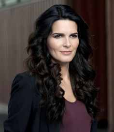 Angie Harmon: LOVE HER. and Rizzoli and Isles. haha