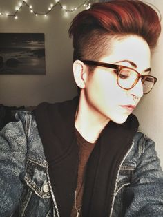 coolest-humans Short Pixie Haircuts, Short Hair Cuts, Short Hair Styles, Pixie Cuts, Haircut And Color, Tomboy Fashion, Androgynous, Hair Inspiration, Hair Beauty