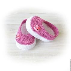 Crochet Pattern - Strappy Ballet Flats - 3 variations included - baby - Newborn, and months Crochet Baby Boots, Crochet Baby Sandals, Knit Baby Booties, Booties Crochet, Crochet Baby Clothes, Crochet Slippers, Crochet Converse, Crochet Patron, Baby Girl Sandals