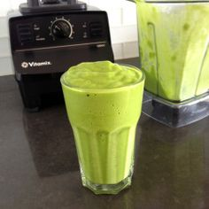 Whole-Foods-Copycat-Tropical-Green-Smoothie-3