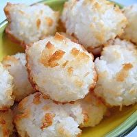Bite-Sized Coconut Macaroons by Baking Bites