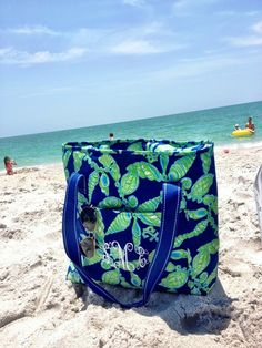 lilly tote it looks so cute monogrammed! Maybe I should get mine done.. ? (: