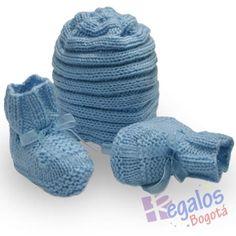 Conjunto tejido para bebe. Gorro y patines para bebe tejidos en dos agujas  en lana