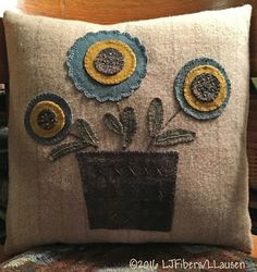 Fibers at The Wooly Red Rug.the original Folk Art designs of Minnesota fiber artist Laurie Lausen Penny Rug Patterns, Wool Applique Patterns, Felt Patterns, Felt Applique, Print Patterns, Felt Pillow, Felted Wool Crafts, Wool Quilts, Wool Embroidery