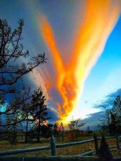 Beautiful Sky, Beautiful World, Beautiful Images, Beautiful Scenery, Beautiful Things, Tornados, Amazing Photography, Nature Photography, Heaven On Earth