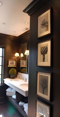 Powder room ~ paint and artwork. Looks like the powder room at Park City Hotel London City Bathrooms, Dream Bathrooms, Beautiful Bathrooms, Guest Bathrooms, Powder Room Paint, Black Powder Room, Powder Rooms, Powder Room Decor, Powder Room Design