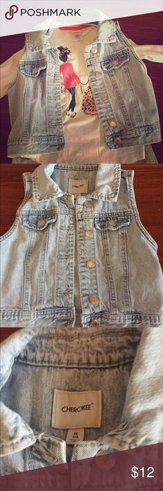 Cherokee girls size 7/8 cropped acid-washed vest Cherokee girls size 7/8 cropped acid-washed vest.  100% cotton with silver button detailing.  Great for the Spring and Summer! Cherokee Jackets & Coats Vests