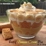 Easy banana Cream pie in a bowl. - 1 package or Lorna Doone Shortbread cookies or Pepperidge Farm Chessman Shortbread cookies - 2 small packets of Jell-O Instant Banana Cream Pudding - 4 Bananas - 1 12 oz container of frozen whipped topping (thawed) Trifle Desserts, Delicious Desserts, Dessert Recipes, Yummy Food, Lemon Desserts, Thanksgiving Truthan, Easy Banana Cream Pie, Banana Pie, Banana Trifle