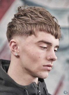 The trend men's hairstyles of 2019 - Long Bob Hairstyles 2019 Mens Hairstyles Fringe, Mens Fringe Haircut, Quiff Hairstyles, Cool Mens Haircuts, Asymmetrical Hairstyles, Long Bob Hairstyles, Popular Hairstyles, Short Hair With Bangs, Haircuts With Bangs