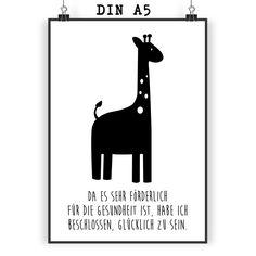 Poster DIN A5 Giraffe aus Papier 160 Gramm  weiß - Das Original von Mr. & Mrs. Panda.  Jedes wunderschöne Poster aus dem Hause Mr. & Mrs. Panda ist mit Liebe handgezeichnet und entworfen. Wir liefern es sicher und schnell im Format DIN A5 zu dir nach Hause. Die Größe ist 148 x 210 mm.    Über unser Motiv Giraffe  Rekord: Giraffen sind die höchsten landlebenden Tiere der Welt. Männchen können bis zu 6 Meter hoch werden. Giraffen leben in Freiheit in der afrikanischen Savanne, in…