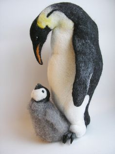 Felt quiet book idea : reveal baby hidden underneath - Babys und Eier mit Eltern (Känguruh, Pinguin, Äffchen...)