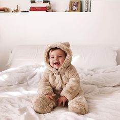 Children and Young Cute Little Baby, Baby Kind, Mom And Baby, Little Babies, Baby Love, Little Ones, Cute Babies, Best Baby Sunscreen, Future Mom