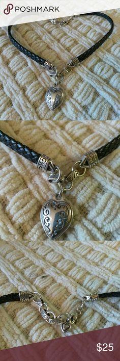 Brighton necklace Brighton necklace, used in great condition. Brighton Jewelry Necklaces