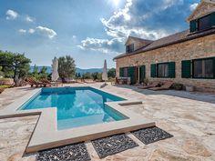 Alleinstehende Villa mit Pool auf 8.500qm Grundstück mit absoluten Privatsphäre!. Buchen Sie Villa Natura Rustika auf Vrbanj   HomeAway.at