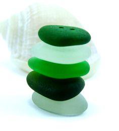 Cómo hacer botones con piedras o vidrio del mar  sea bottons