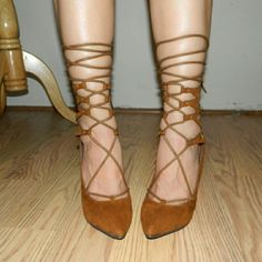 AVAILABLE!! Tan lace up pointed toe heel sz 8 Stunning heels. Very sexy lace up ankle tie caged. Zipper back closure. Sz 8 Shoes Heels