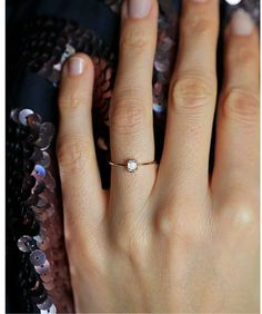 wedding rings with bands Smaragdschliff Verlobungsring Diamant-Ring Rose Gold wei Dainty Engagement Rings, Emerald Cut Diamond Engagement Ring, Rose Gold Diamond Ring, Emerald Cut Diamonds, Engagement Ring Cuts, Diamond Cuts, Solitaire Diamond, Diamond Crown, Diamond Jewelry