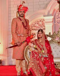 Shivani Rathore 💫 Indian Wedding Couple, Wedding Couple Poses, Couple Posing, Wedding Couples, Rajasthani Bride, Rajputi Dress, Bridal Photoshoot, Groom, Sari