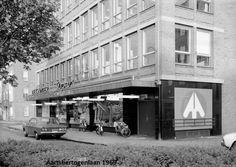 De Aartshertogenlaan met de Supermarkt van De Gruyter in 1969