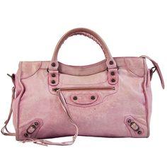 Bolso City rosa de Balenciaga disponible en nuestra tienda