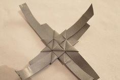 Kolmannessa luukussa on ohjeet hauskalle heijastin idealle. Pujottele heijastin nauhasta tuohitähden mallisia heijastimia ! Heijastimen e... Diy Hacks, Twine, Origami, Projects To Try, Symbols, Crafty, Baskets, Craft Ideas, Christmas