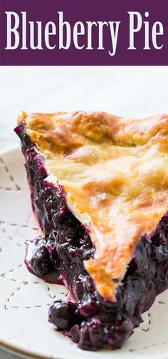 With a homemade crust. Perfect for the summer blu… Simple, classic blueberry pie! With a homemade crust. Perfect for the summer blueberry season. Easy Blueberry Pie, Blueberry Pie Recipes, Blueberry Season, Blueberry Pie Recipe With Tapioca, Blueberry Pie Recipe With Frozen Berries, Maine Blueberry Pie Recipe, Blueberry Torte, Blueberry Crisp, Gastronomia