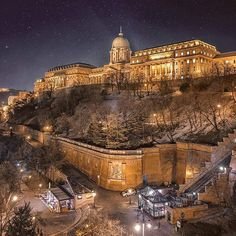 Thinking about vacation in Budapest? Explore the Little Paris of Middle East with these charming must visit places in Budapest -the capital city of Hungary. Places To Travel, Places To See, Wonderful Places, Beautiful Places, Capital Of Hungary, Budapest Travel, Buda Castle, Little Paris, Fantasy Places