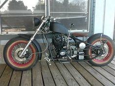 Old school bobber w/ shifter. Cool #harleydavidsonchoppersoldschool #harleydavidsonbikes