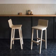Version 3 barstool, designed by is carefully crafted in oak or ash, right in our workshop in Romania. Its lightweight… Scandinavian Furniture, Contemporary Furniture, Kitchen Stools, Bar Stools, Comfortable Living Room Chairs, Toddler Table And Chairs, Outdoor Lounge Chair Cushions, Interior Inspiration, Furniture Design