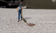 Tiny People Invades Imaginative Macro Photography by Jens