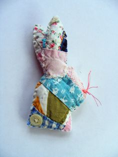 bunny brooch by hens teeth, via Flickr