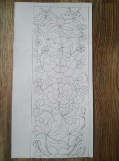 인두판 유물 보고 도안 재현~ 15×40. 유물에 있는 꽃들 먼저 자로 꼼꼼히 위치 재고, 연...