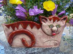 Keramická dílna LUŽANKA - Fotoalbum - KOČKY I'd love several different pots… Plant Decor, Cat Lady, Little Things, Bonsai, Projects To Try, Objects, Kitty, Pottery, Fancy