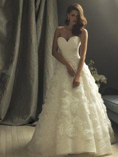 Ivory Flower Applique Ball Gown Designer Vintage Wedding Dresses