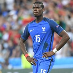 What is holding up the Pogba move?