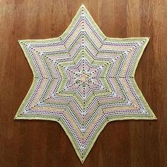 Millan Star - free pattern @ Crochet Millan ☆