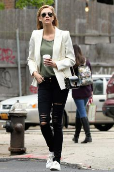 ray ban sunglasses aviator rb3026  karlie kloss wearing ray ban rb3026 aviator sunglasses, frame denim le color jeans in