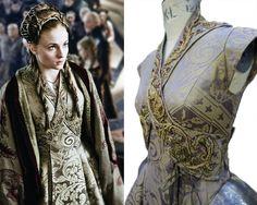 O vestido de casamento de Sansa na 3ª temporada, segundo Michelle, provavelmente uma das suas peças favoritas da série.