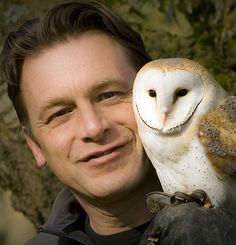 TV presenter and naturalist Chris Packham is a wildlife expert, photographer and author with a passionate concern for conservation and the environment. Animal Heros, Ant & Dec, David Attenborough, Extinct Animals, How To Be Likeable, Tv Presenters, Good People, Amazing People, Gorgeous Men