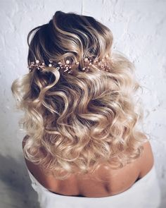 #enchanting #hairstyle #curls #blondehairstyle #bridalhair #2017 #goldenlocks @hair_vera