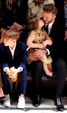 david-beckham-harper-Burberry-2015-04