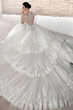 1ee0a4dd5cbbe4 87 beste afbeeldingen van Trouw jurken in 2019 - Dream wedding ...