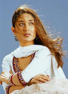 Why we Love Bollywood Actress Kareena Kapoor | Unique Blog