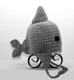 shark! make similar to the beard hat, with face surrounded by teeth