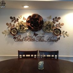 Pin by Deborah Martin on Flower backdrops Paper Flowers Craft, Large Paper Flowers, Paper Flower Wall, Paper Flower Backdrop, Giant Paper Flowers, Flower Wall Decor, Flower Crafts, Diy Flowers, Flower Decorations