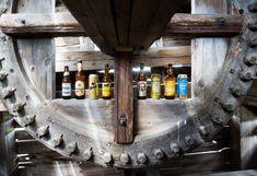 Karjalainen testasi kahdeksan vehnäolutta. #olut #juoma #alkoholi #pienpanimo Wine Rack, Liquor Cabinet, Furniture, Home Decor, Decoration Home, Room Decor, Home Furnishings, Wine Racks, Home Interior Design